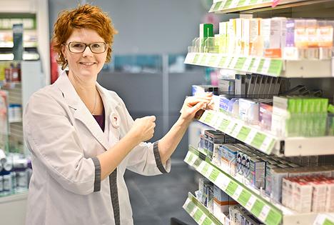 Anna-Lena Bramsäter, apotekschef på Apoteket Citykompaniet, vet hur du dämpar allerigi.